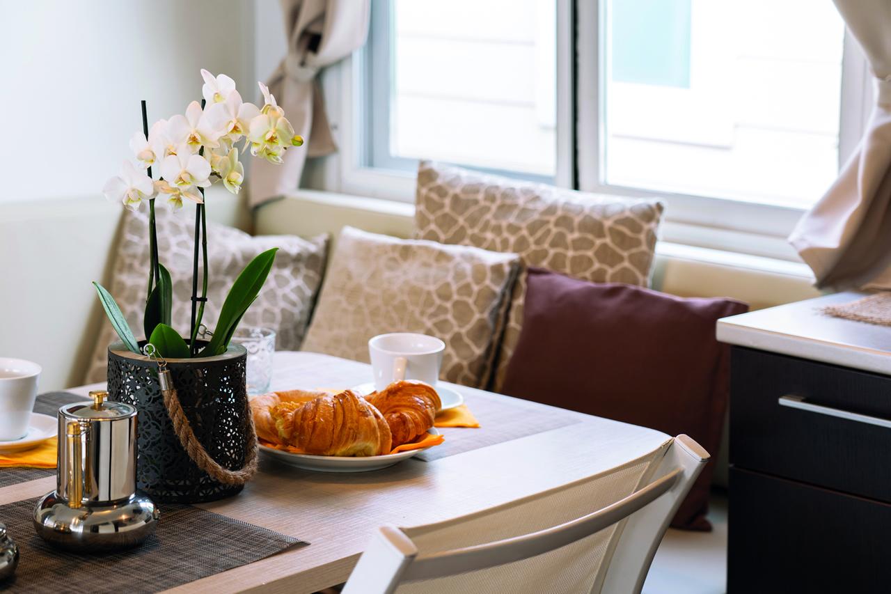 village de vacances avec mobil homes sottomarina mobil homes spacieux pour familles nombreuses. Black Bedroom Furniture Sets. Home Design Ideas